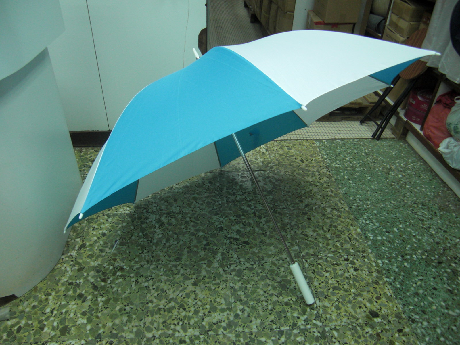 shop umbrella